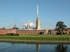 Санкт-Петербург,   город музеев и гостиниц